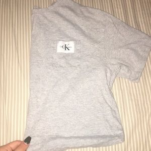 Calvin Klein jeans grey cropped shirt